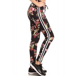 Pants - 💥NEW ARRIVAL💥 Brushed Floral Print Leggings
